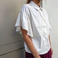 חולצת וולן לבנה  מכופתרת