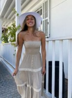 STREPLESS DRESS