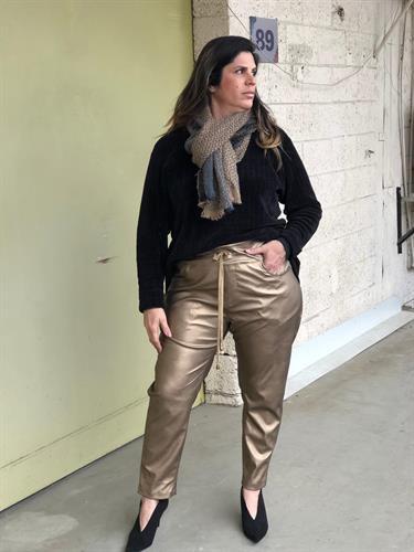 מכנסיי בלנד זהב