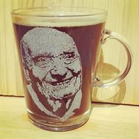 חריטת תמונה על כוסות