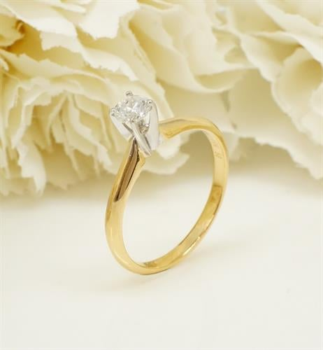 טבעת זהב סוליטר יהלום 0.30 קראט