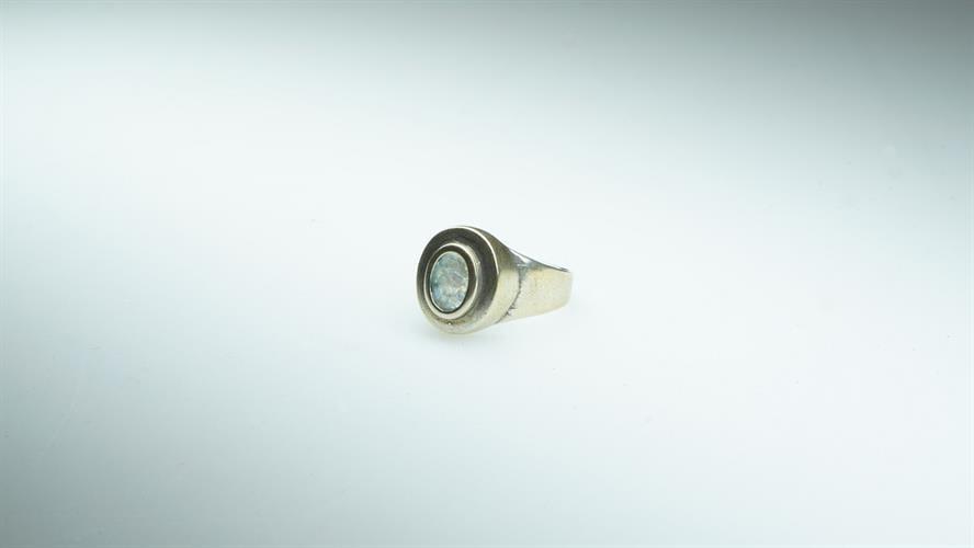 טבעת כסף סטרלינג מושחר משובצת זכוכית רומית