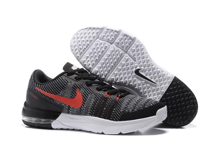 נעלי ספורט מעוצבות Nike Air Max Typha מידות 40-45