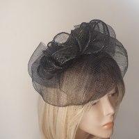 כובע אלגנטי שחור עם זהב