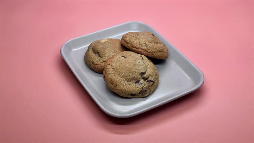 3 עוגיות שוקוצ'יפס גדולות