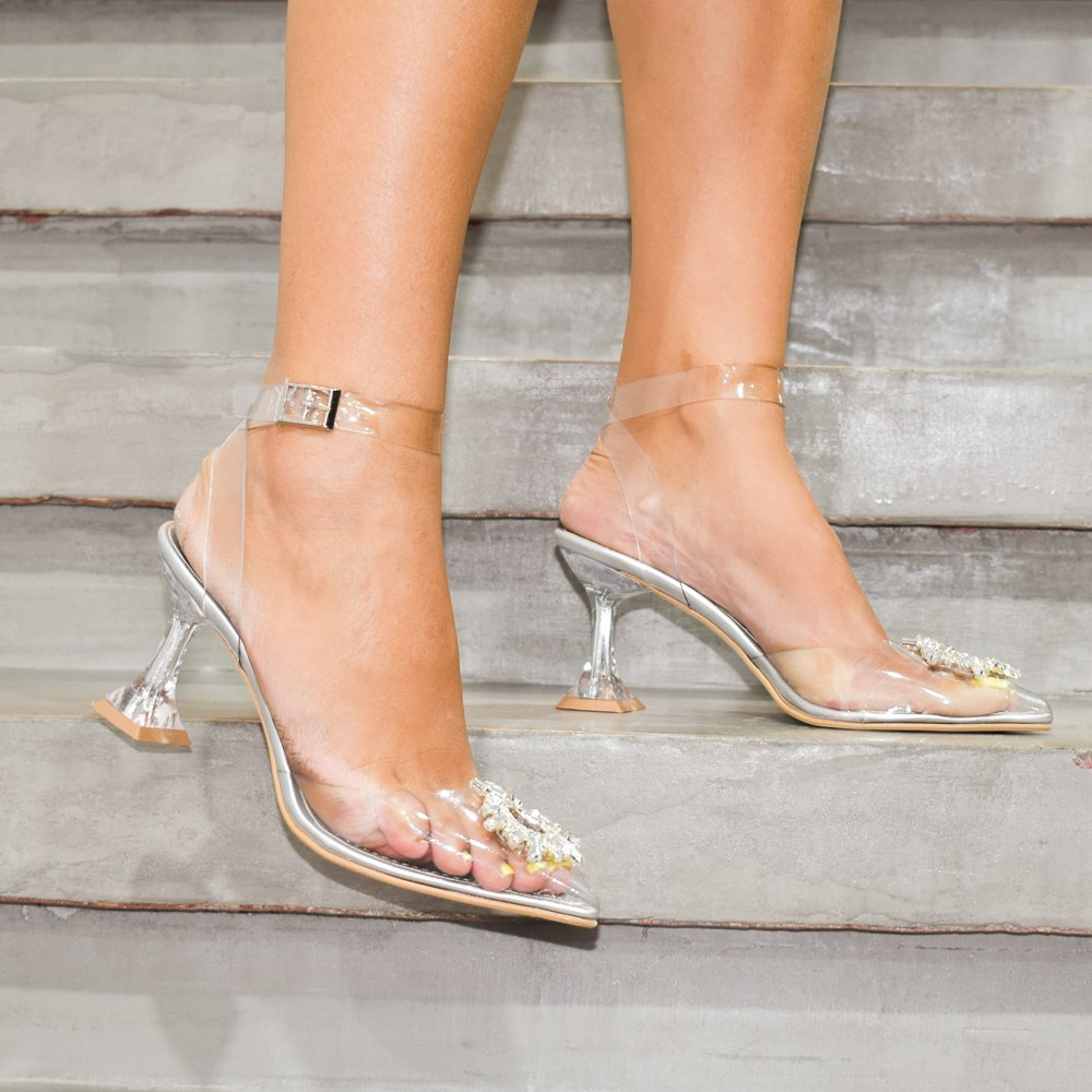 נעלי עקב לוסי