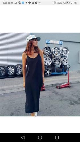 שמלת יוניק פריזאית - שחורה