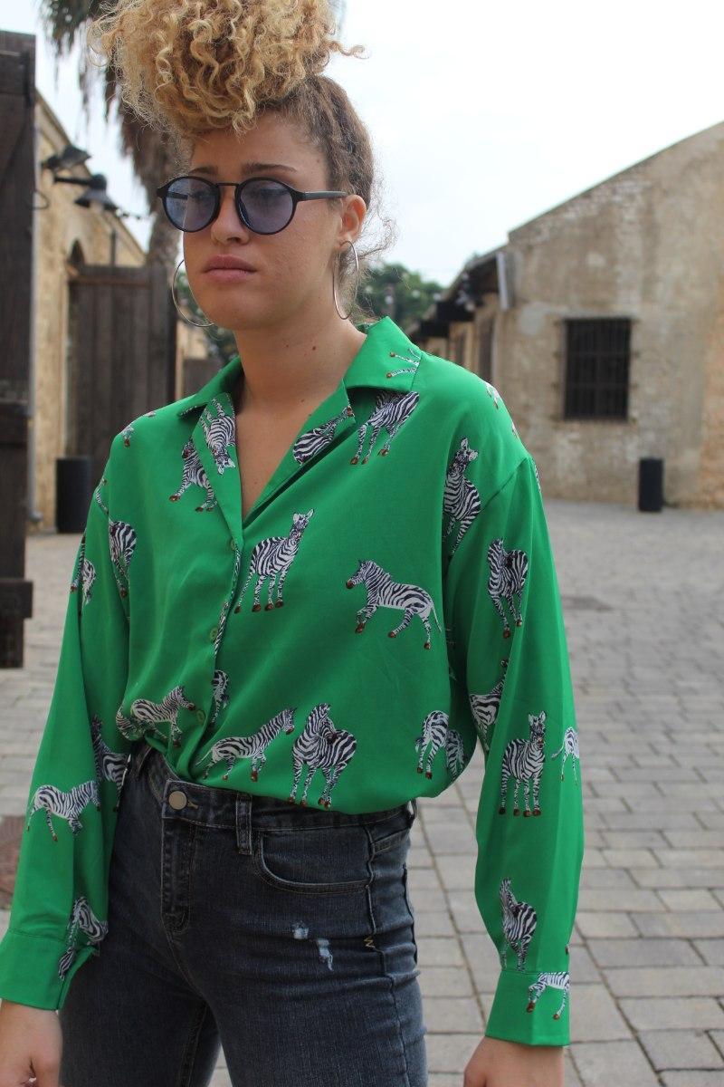 חולצה מכופתרת זברה ירוק