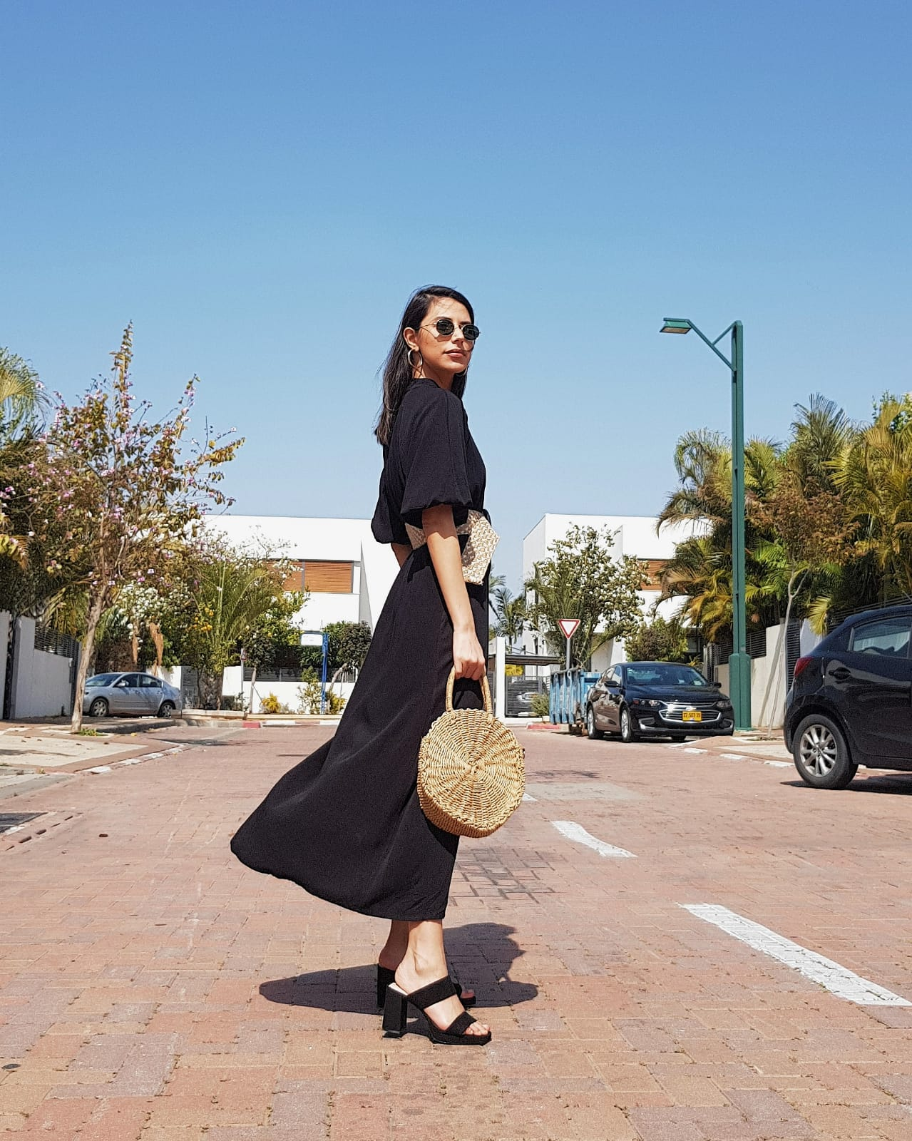 שמלת אסיה - שחורה