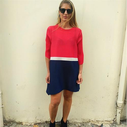 שמלת ליס פליסה אדום לבן כחול