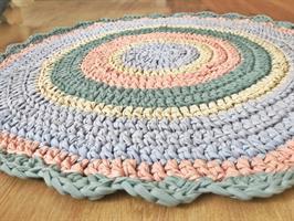 שטיח סרוג, שטיח סרוג בצבעי פסטל, שטיחים סרוגים, שטיחים, שטיח לחדר ילדים, שטיחים לחדרי ילדים, עיצוב הבית,