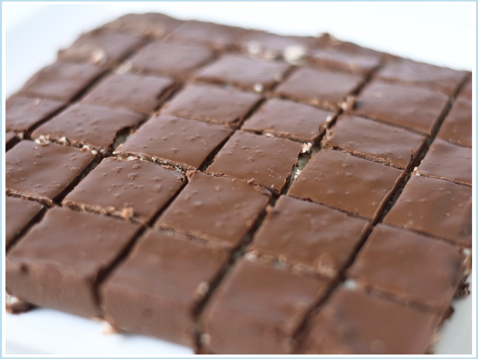 בראוניז שוקולד קוקוס - ללא קמח חיטה