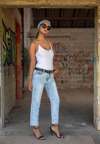 מכנסיים ג'ינס ROSE בהיר AMTIGO