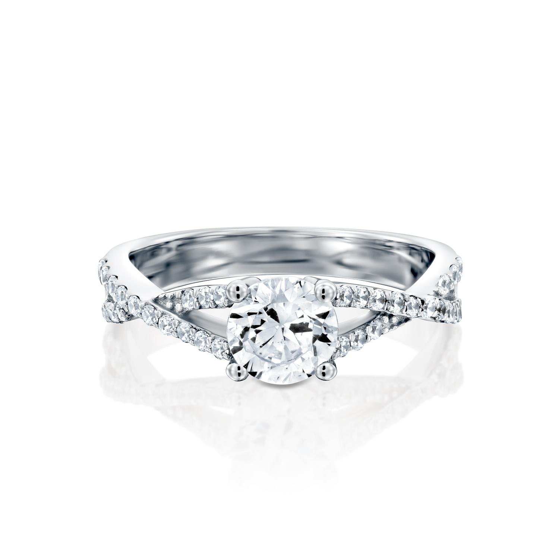 טבעת אירוסין זהב לבן 14 קראט משובצת יהלומים INFINITY