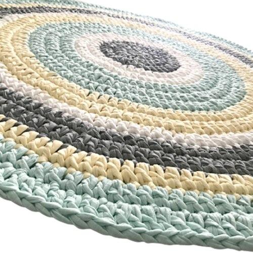 שטיח לחדר הילדים סרוג בגווני פסטל רכים של מנטה, צהוב בייבי רך ואפור