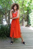 שמלת לירי אדומה