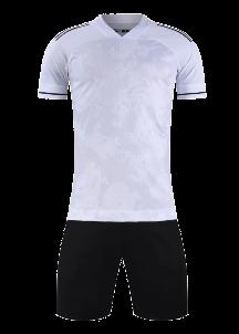 חליפת כדורגל לבן שחור