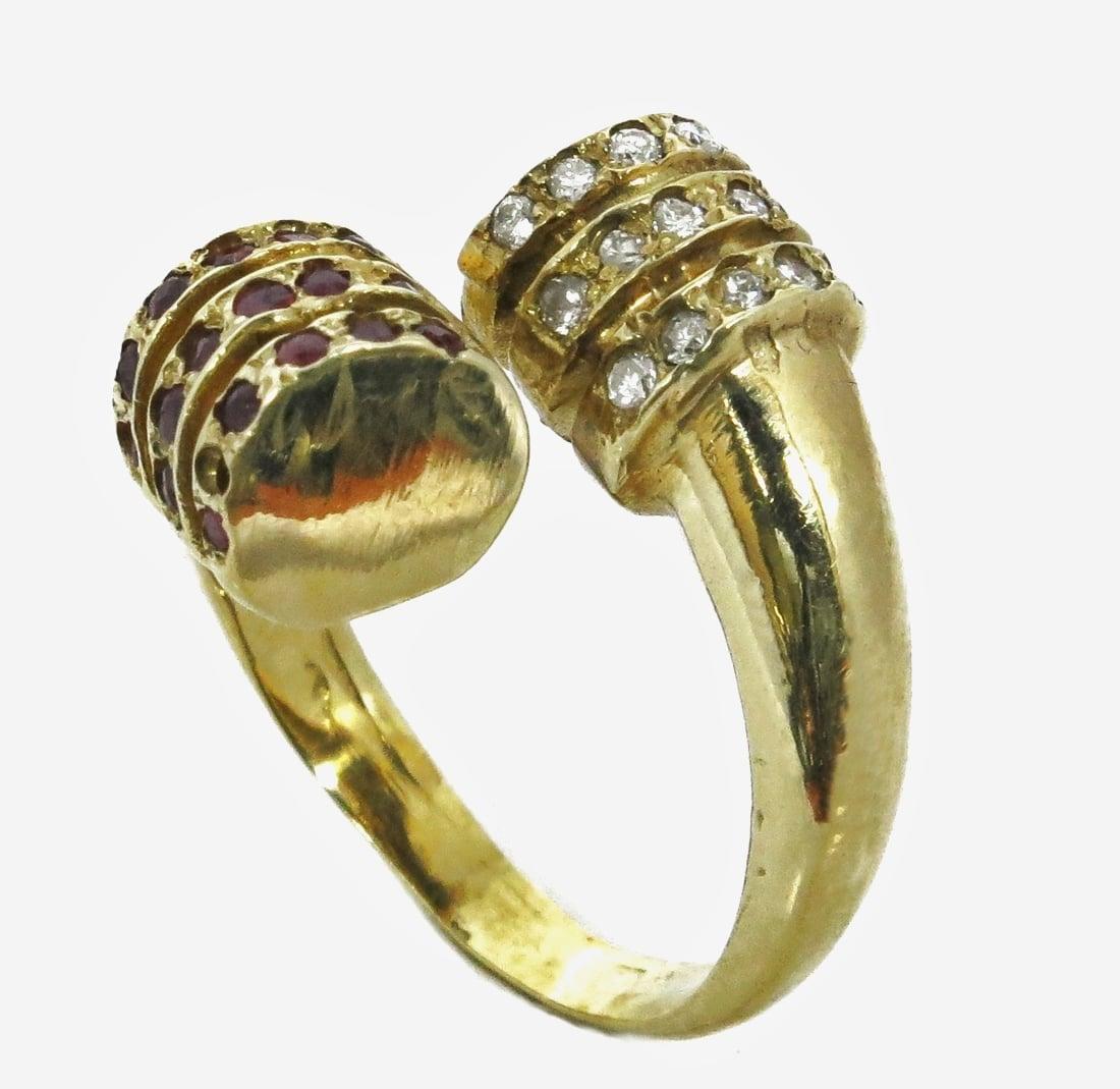 טבעת זהב 14K פתוחה משובצת יהלומים ואבני רובי 0.10 קראט