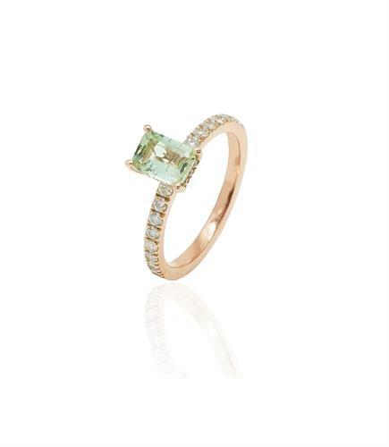 טבעת זהב ורוד משובצת יהלומים ואבן חן טורמלין