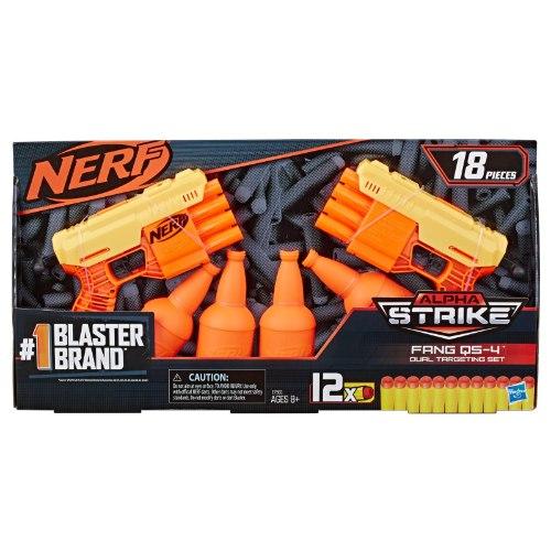 זוג אקדחי Nerf עם מטרות בקבוק