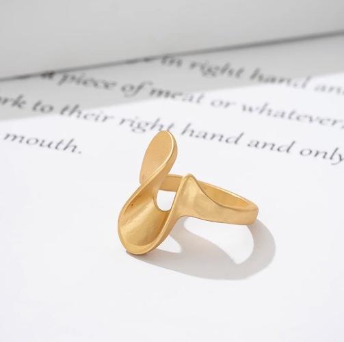 """טבעת """"Shopie"""" בציפוי 14k"""