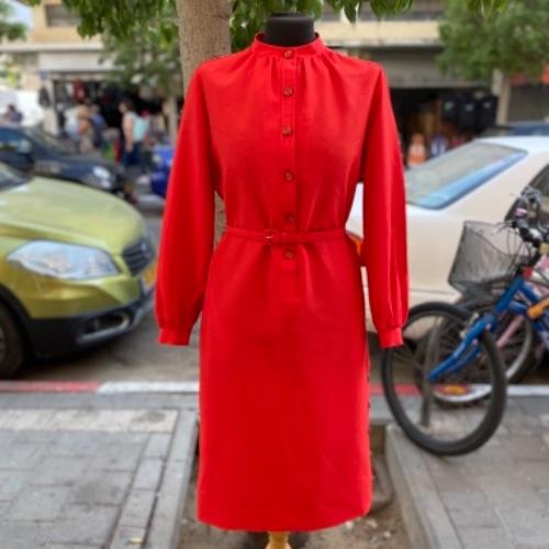 שמלת וינטג׳ אדומה בגיזרה ישרה עם שרוולים ארוכים S/M