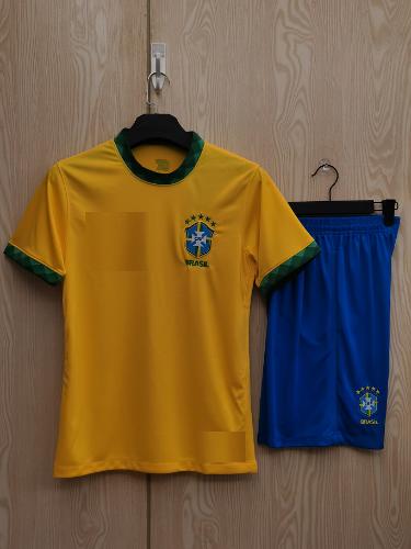 תלבושת נבחרת ברזיל ילדים
