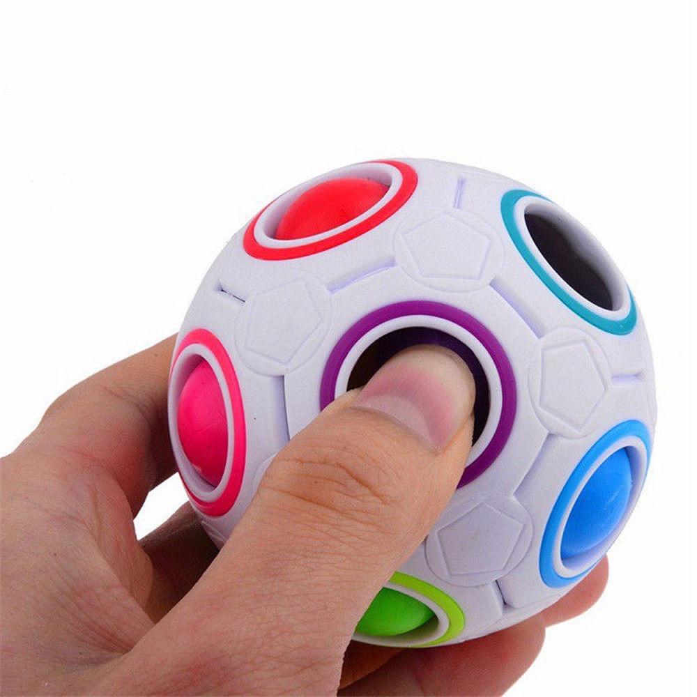 כדור הונגרי - משחק חשיבה יצירתי להתאמת צבעים!