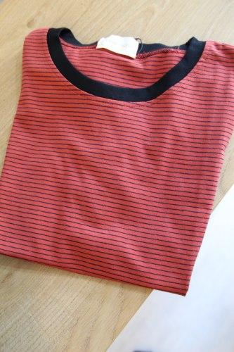 חולצת פס אדום