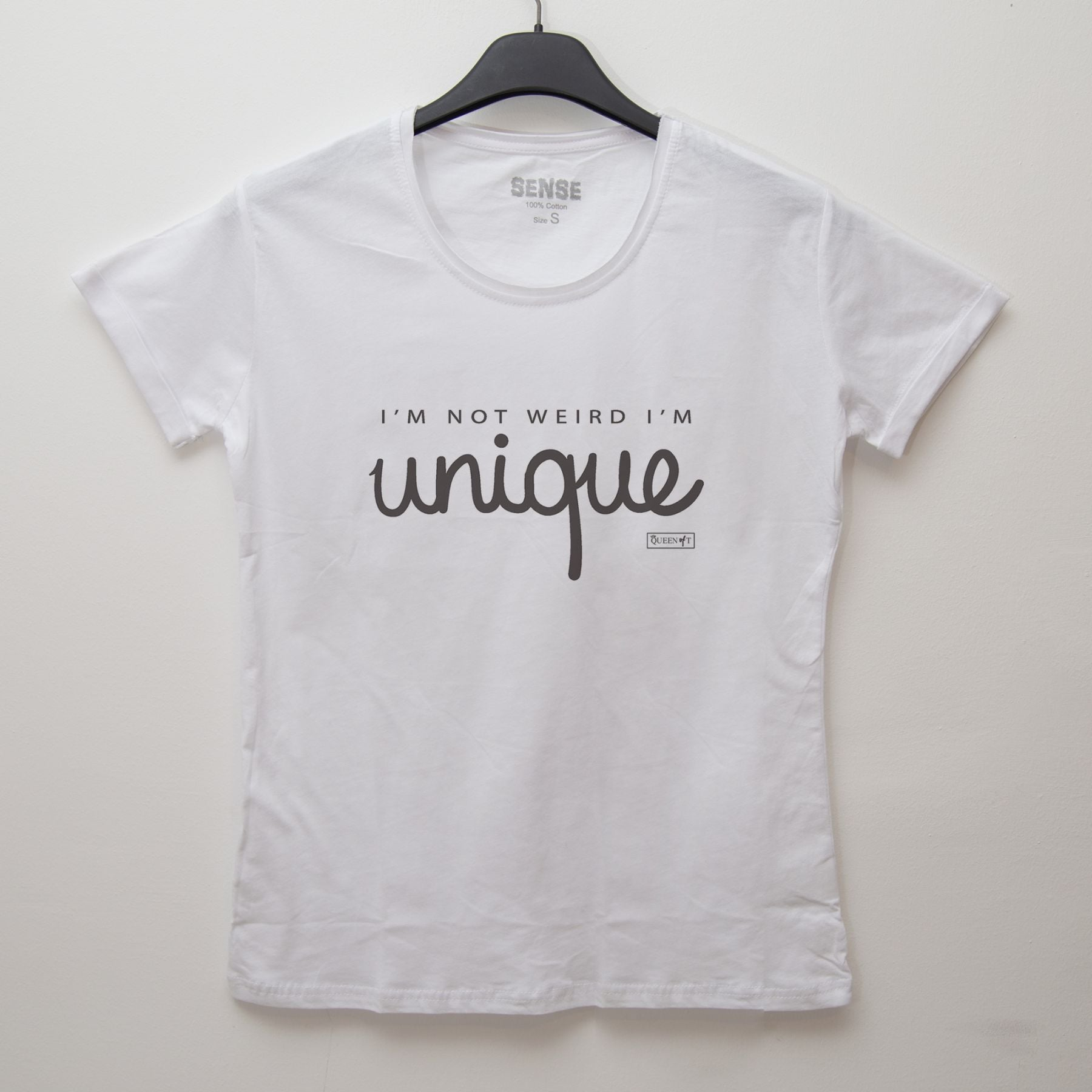 I'M NOT WEIRD I'M unique - Tshirt