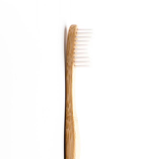 מברשת שיניים מבמבוק למבוגרים Soft לבן