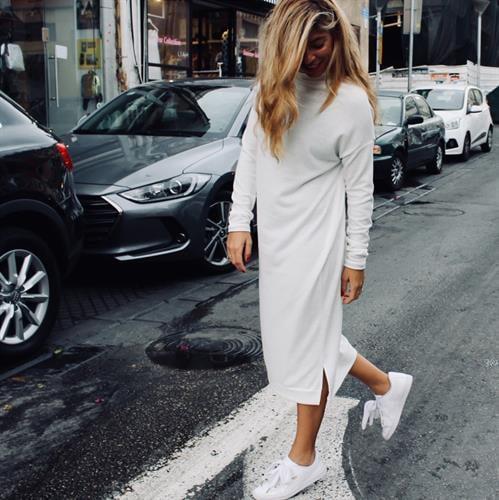 שמלת רובין לבן