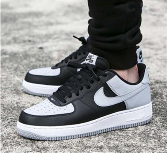 נעלי ספורט מעוצבות Nike Air Force1