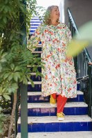 שמלה מדגם דניאלה עם הדפס פרחי בר