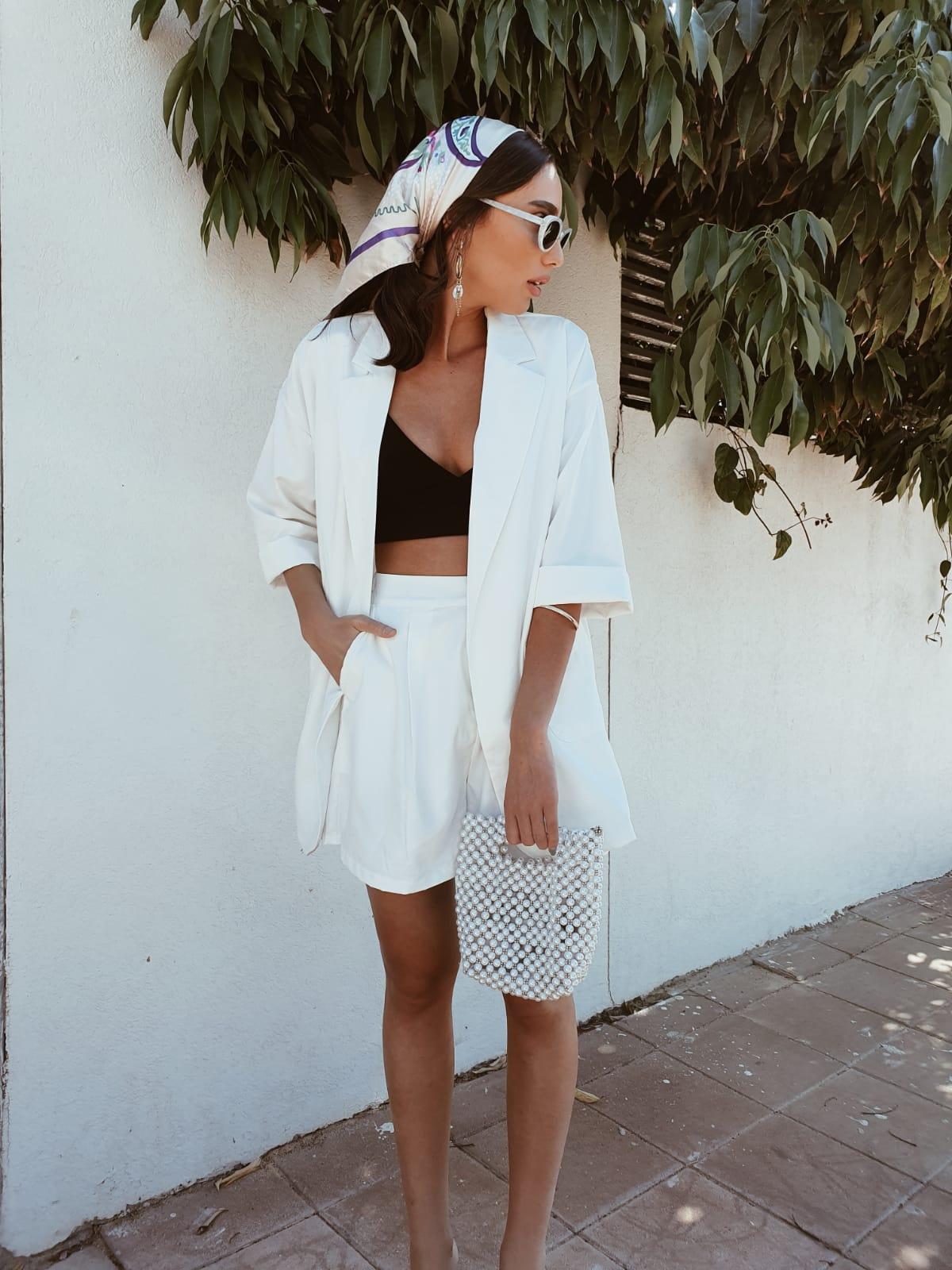 חליפת קארן - לבנה