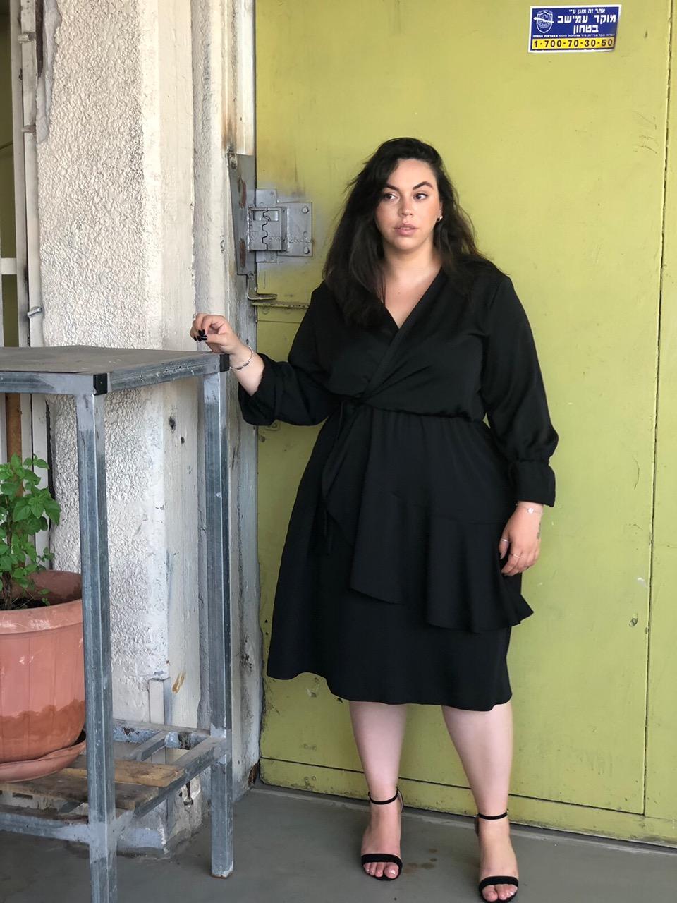 שמלת קרוליין