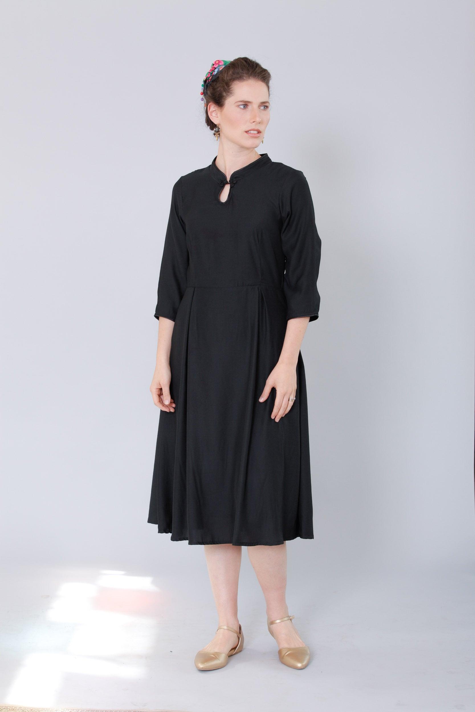 שמלת סיקה שחורה