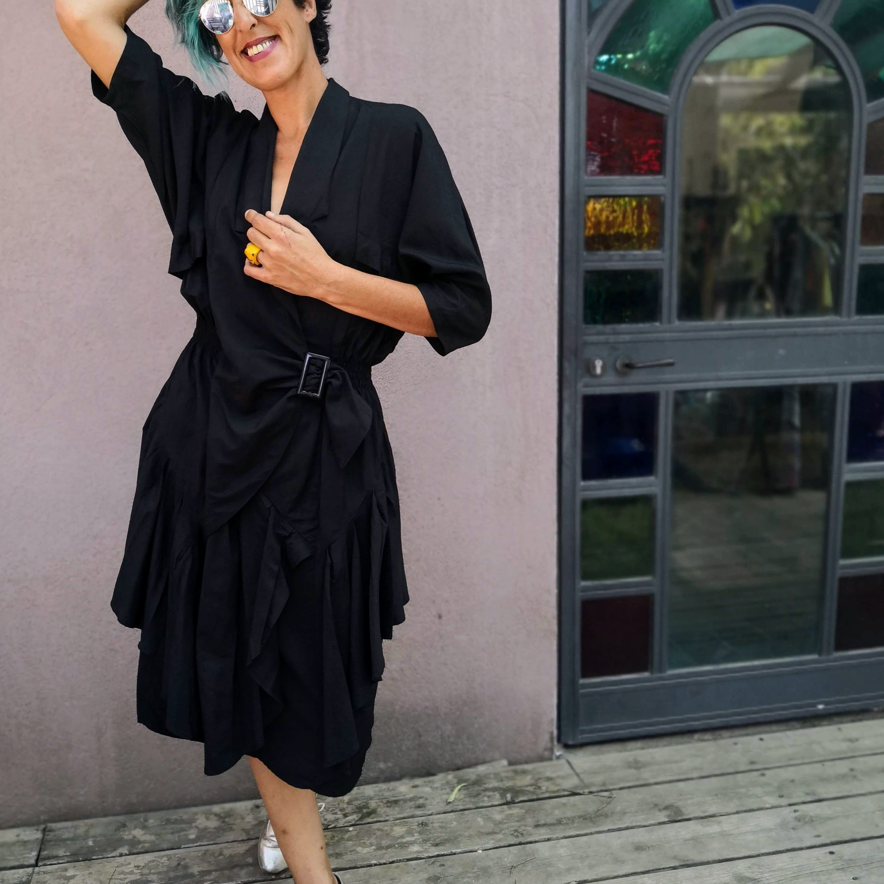 שמלת אייטיז סופר מרשימה מידה M/L