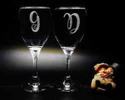 חריטה על זכוכית, חריטה על כוסות יין, מתנות עם חריטה