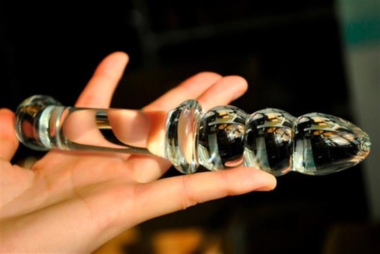 דילדו חרוזים מזכוכית