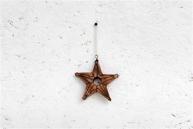 כוכב עץ - עם חור וחוטי ברזל