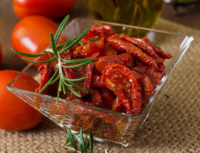 עגבניות מיובשות