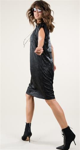 שמלה אסימטרית