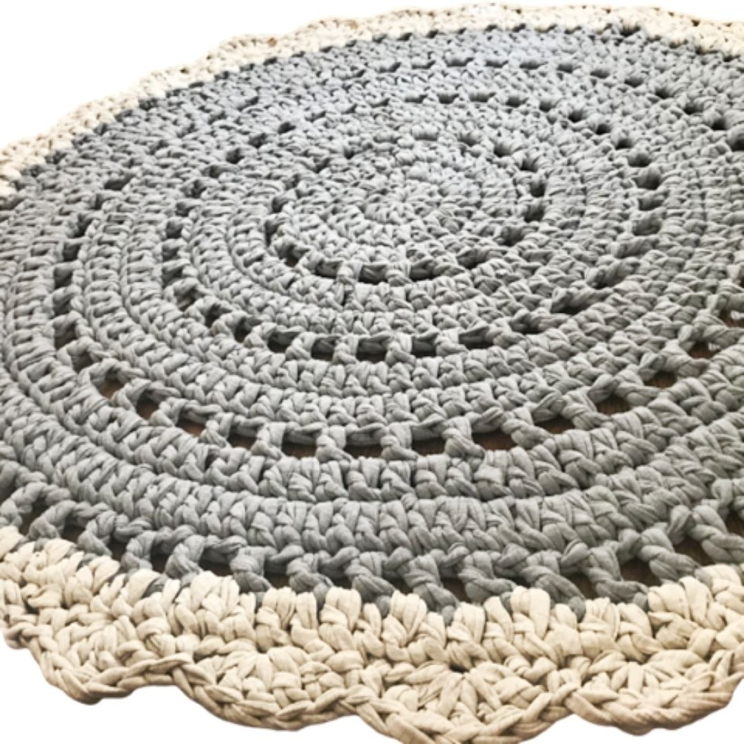 שטיח לחדר הילדים, שטיח סרוג, שטיח עגול , שטיח סרוג בצבעי אפור,שטיח סרוג דוגמת וינטאג', שטיח עגול ורך, שטיח לעיצוב הבית, שטיחים סרוגים, ריבי עיצובים סרוגים, שטיח דוגמת תחרה,