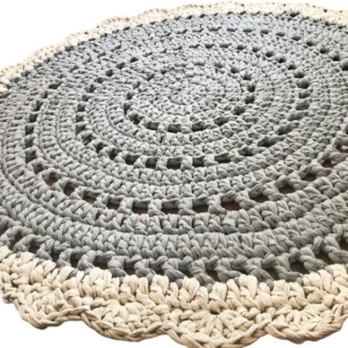 שטיח לעיצוב חדרי הילדים והבית, שטיח סרוג בדוגמת  וינטאג'י רומנ  בגווני האפור דגם אסף