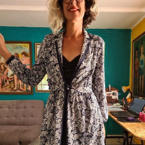 שמלה / עליונית מיוחדת יפהפייה מידה L/XL