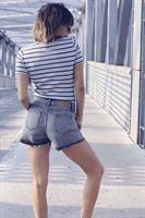ג'ינס שורט אפור קרעים