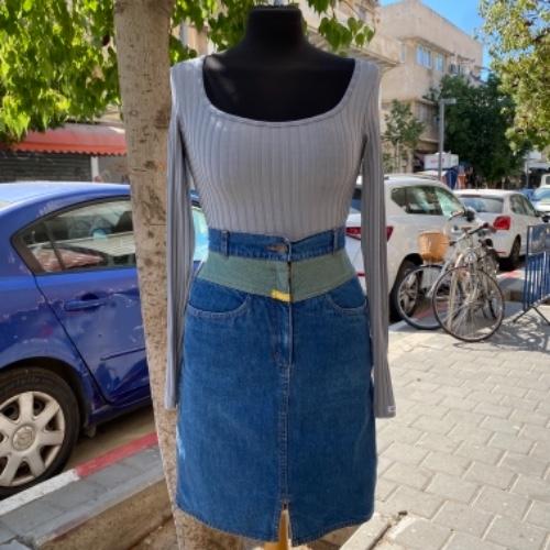 חצאית ג'ינס מיני מיוחדת S/M