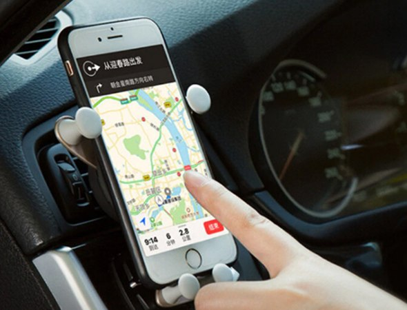 מתקן טלפון אוניברסלי לרכב