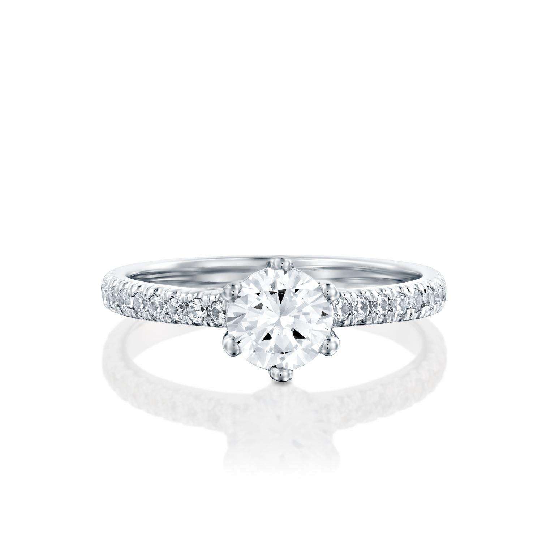 טבעת אירוסין זהב לבן 14 קראט משובצת יהלומים CLASSIC SIX PRONG